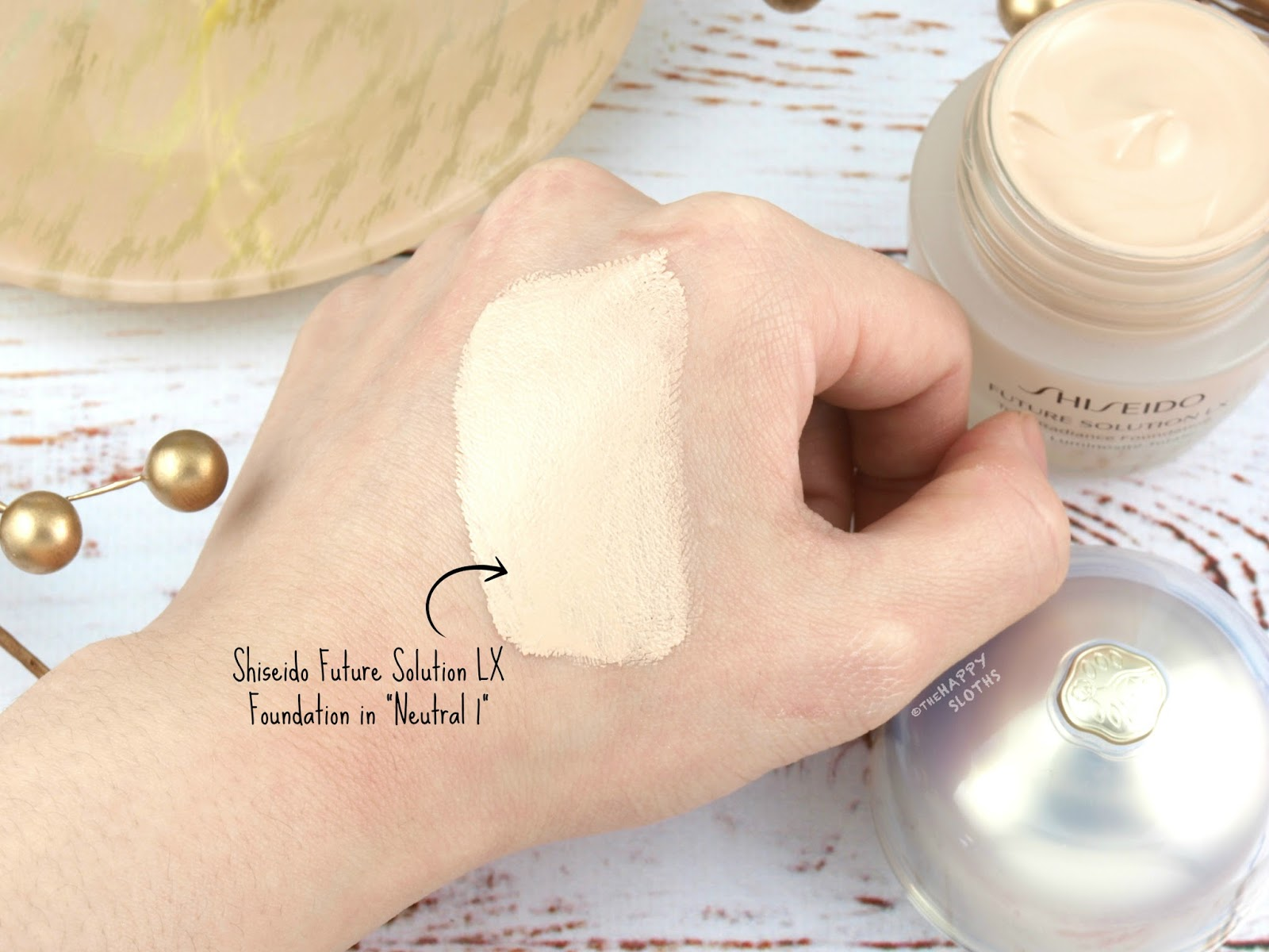 "Shiseido | Future Solution LX Total Radiance Foundation in ""Neutral 1: Review"