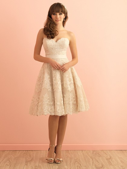 Sweetheart Lace Sashes / Ribbons Champagne Knee-length Cute Wedding Dresses