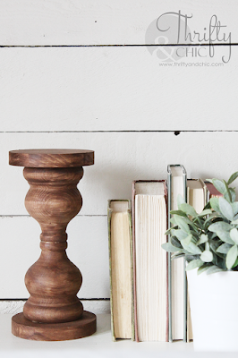 diy chunky farmhouse wood candlestick. The best diy farmhouse decor projects for you home! Farmhouse decor and decorating ideas.