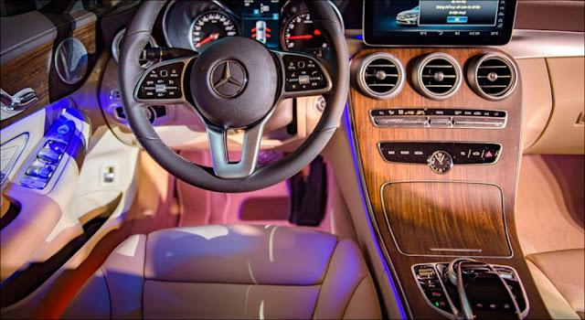 Đèn viền nội thất Mercedes C200 Exclusive 2019