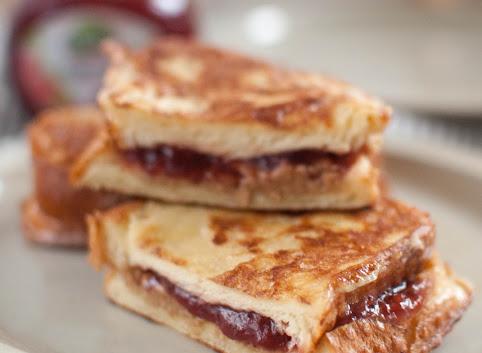 Śniadaniowo mi #22: Słodkie tosty francuskie z niespodzianką