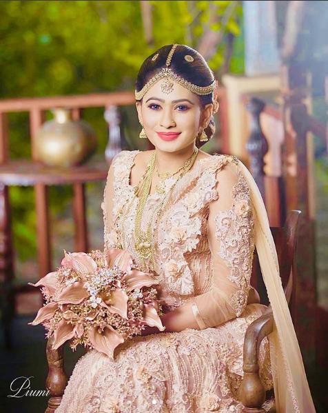 Piumi Hansamali Wedding Photos