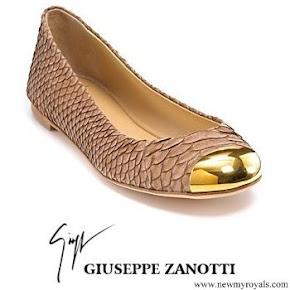 Queen Maxima wore Giuseppe Zanotti gold flats