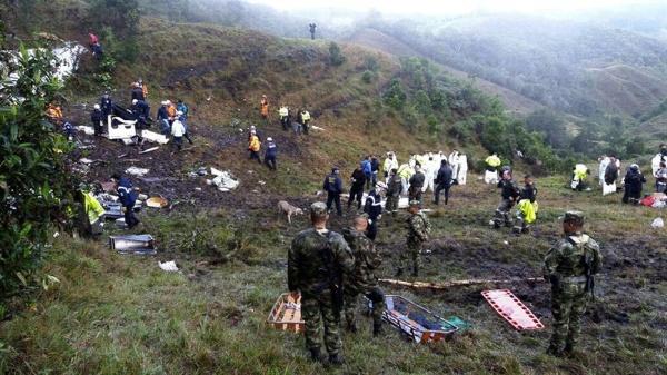 Encuentran cajas negras de avión siniestrado del Chapecoense