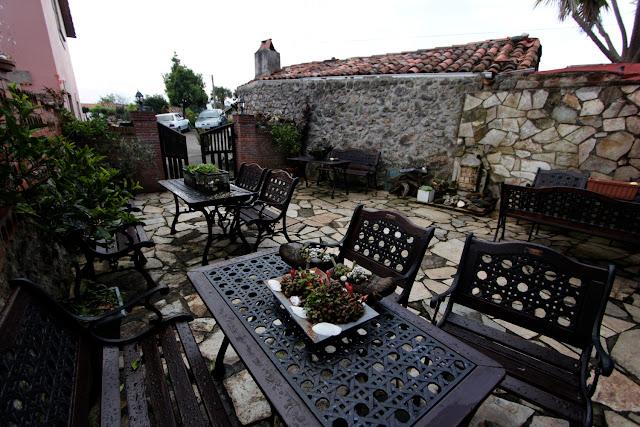 Vista del patio de la Posada Peña Casares