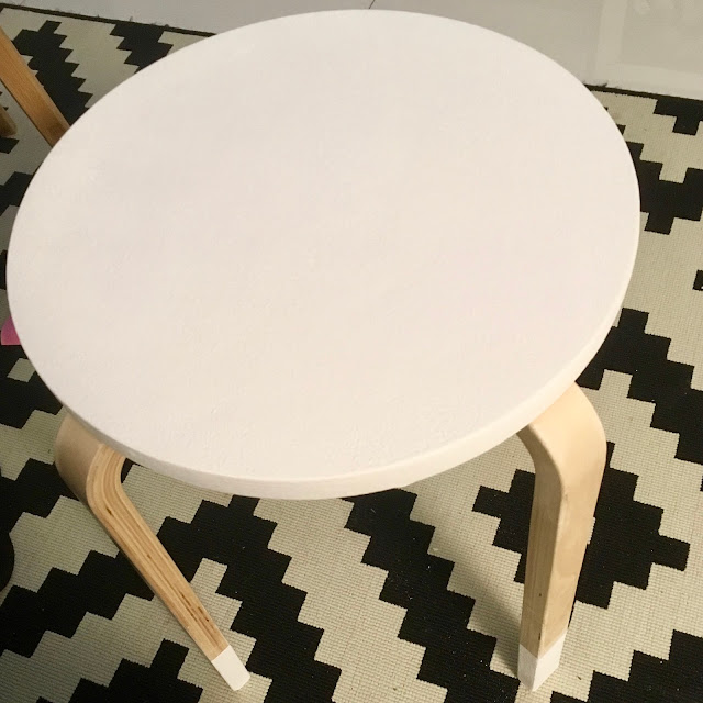 DIY designerskie krzesełko do pokoju dziecięcego
