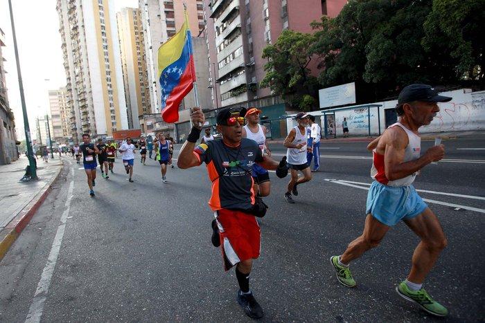 ¡Genial! Con fecha la Media Maratón Simón Bolívar 2017 (+Inscripción)
