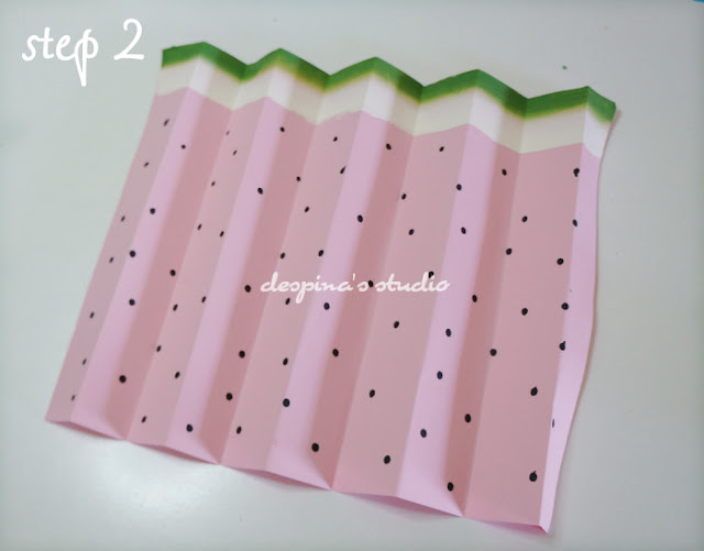 Easy paper craft : Watermelon folded paper fan
