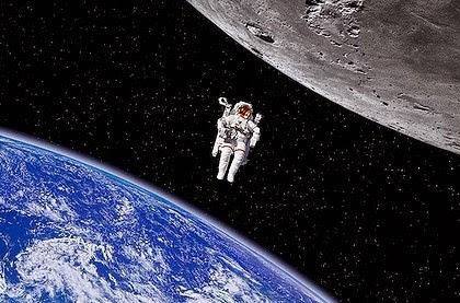 astronaut in spaceship - photo #42