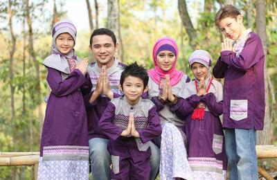 Model Baju Batik Lebaran Keluarga Modern Terbaru