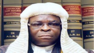 Labaran chikin kasa Nigeria :::   Lauyoyi Suna Fashin Baki A Kan Gurfanar Da Babban Alakali Gaban Kotu
