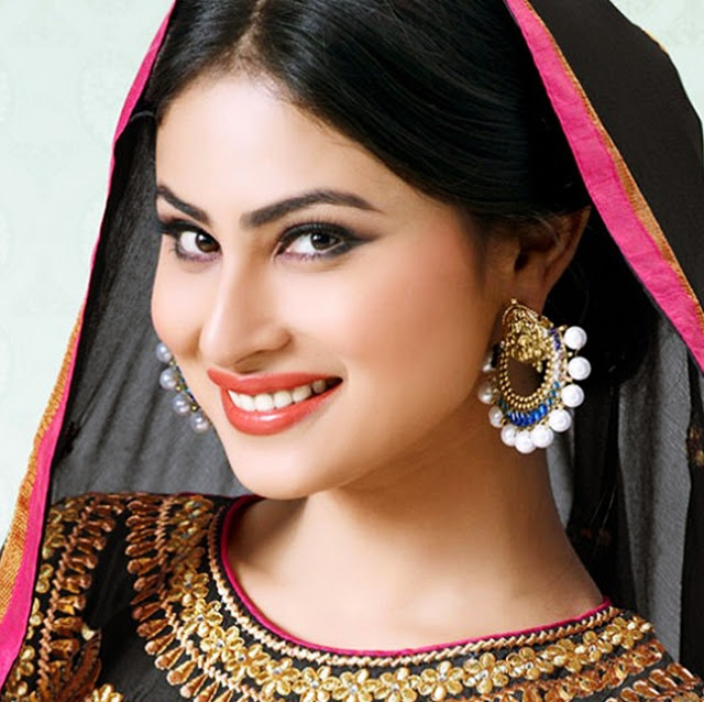 Mouni Roy Biography, Age, Height, Marriage and Personal