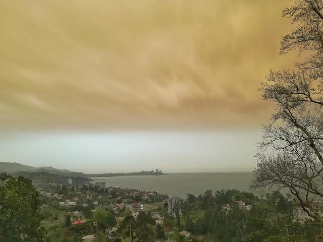 Пыльный, грязный дождь по всей Грузии