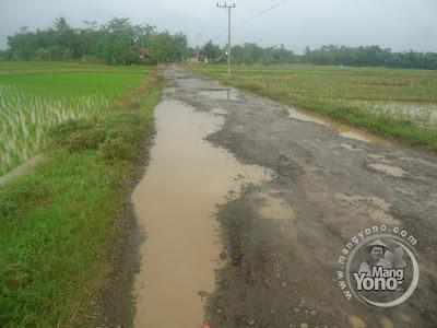 Jalan Gardu - Ciyuda, Desa Bendungan, Pagaden Barat, Subang, Jabar, Indonesia... Merdeka....