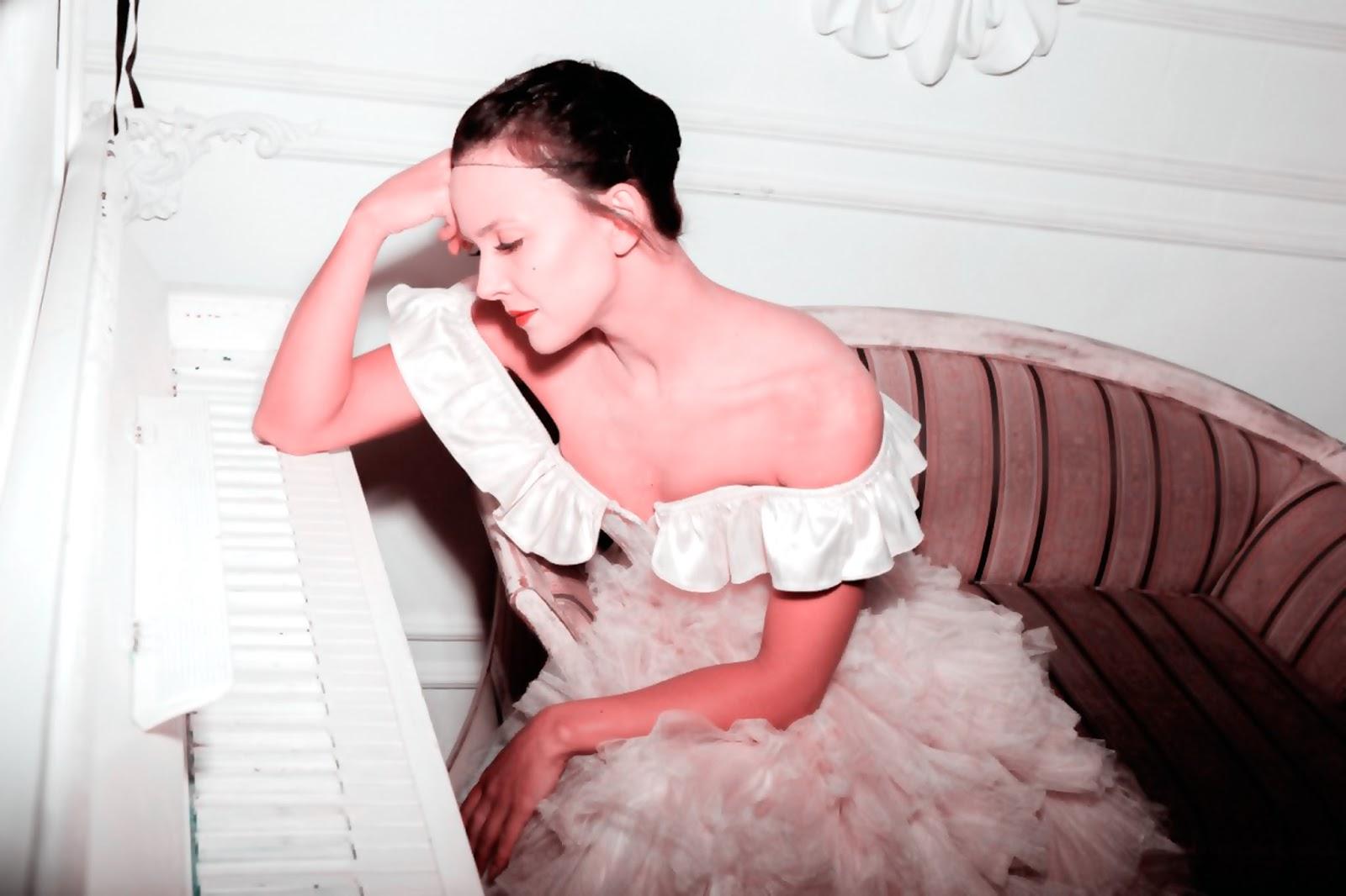 Как сохранить молодость кожи лица и выглядеть на 25 до самой пенсии. 3 золотых правила. Автор actress Nataly Tsvetkova, writer. Со-автор Producer Niclav S., Doctor of Sc.