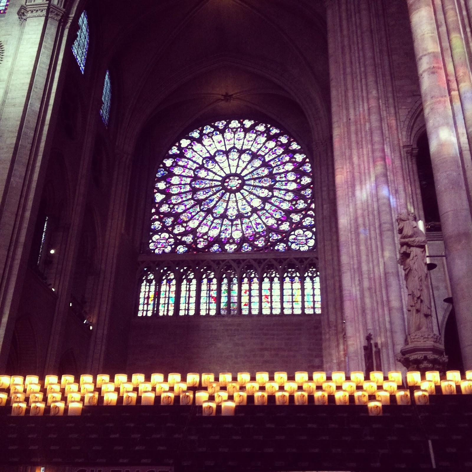 Vidriera de la Catedral de Notre Dame, Paris