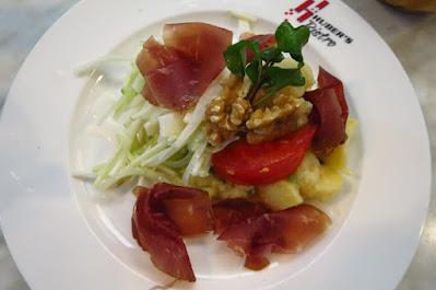 Huber's Bistro, salad air dried beef