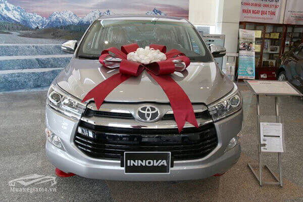 Phần đầu xe Toyota Innova 2019