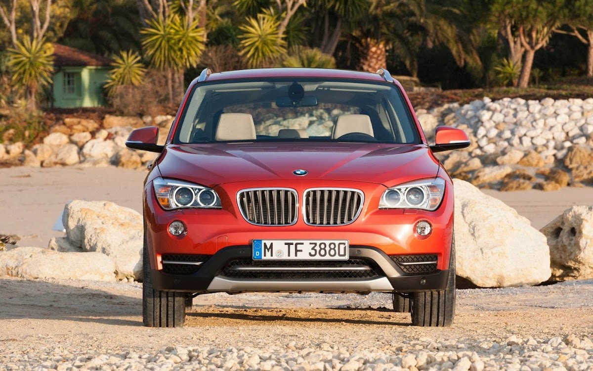 2013 BMW X1 Widescreen HD Wallpaper 8
