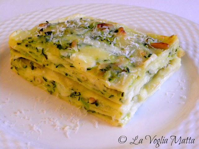 Lasagne con zucchine, pinoli e burrata