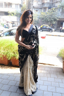 Neetu Chandra in Black Saree at Designer Sandhya Singh Store Launch Mumbai (35).jpg