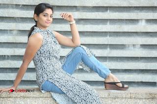 Telugu Television Actress Karuna Latest Pos In Denium Jeans  0131.JPG