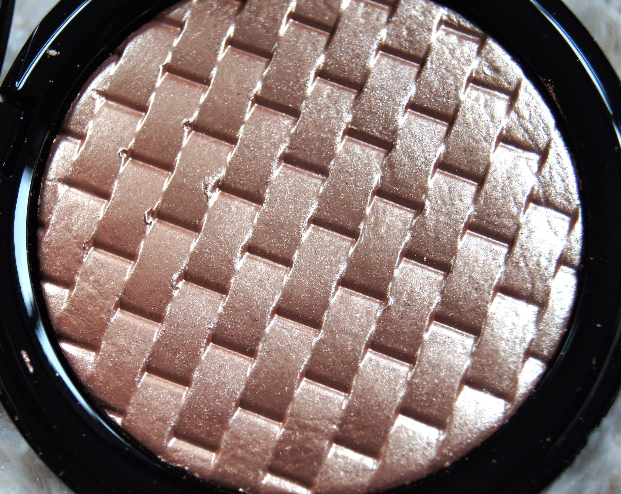 M&S Autograph Pure Luxe Highlighting Powder Review Golden Rose Swatch