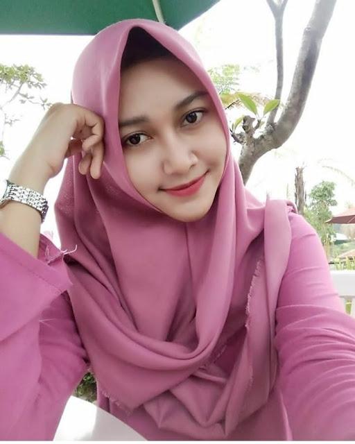 Beautiful Hijab Dara Full of Romance