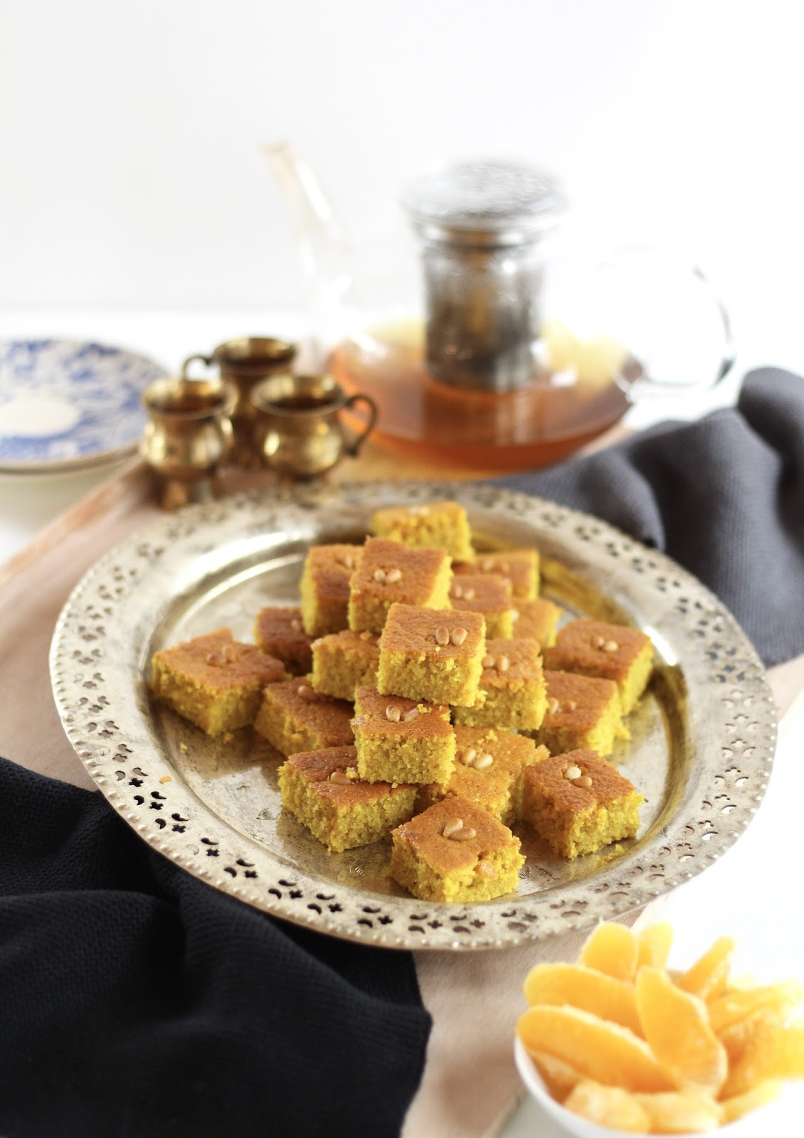 Kurkuma-Grießkuchen - Libanesischer Sfouf - super einfach und sehr köstlich