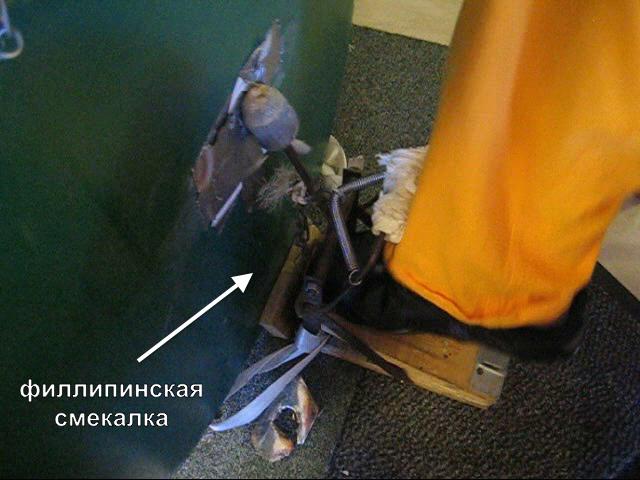 моряк смастерил самодельный барабан из бочек