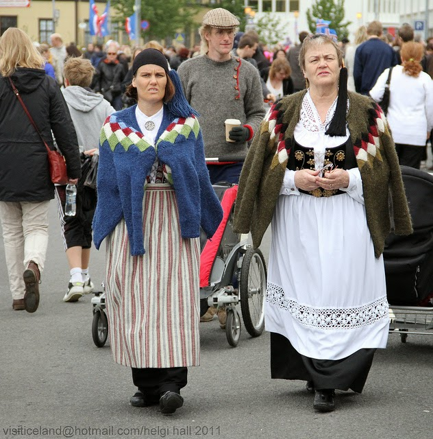 Fashion Traditional Dress Of Iceland