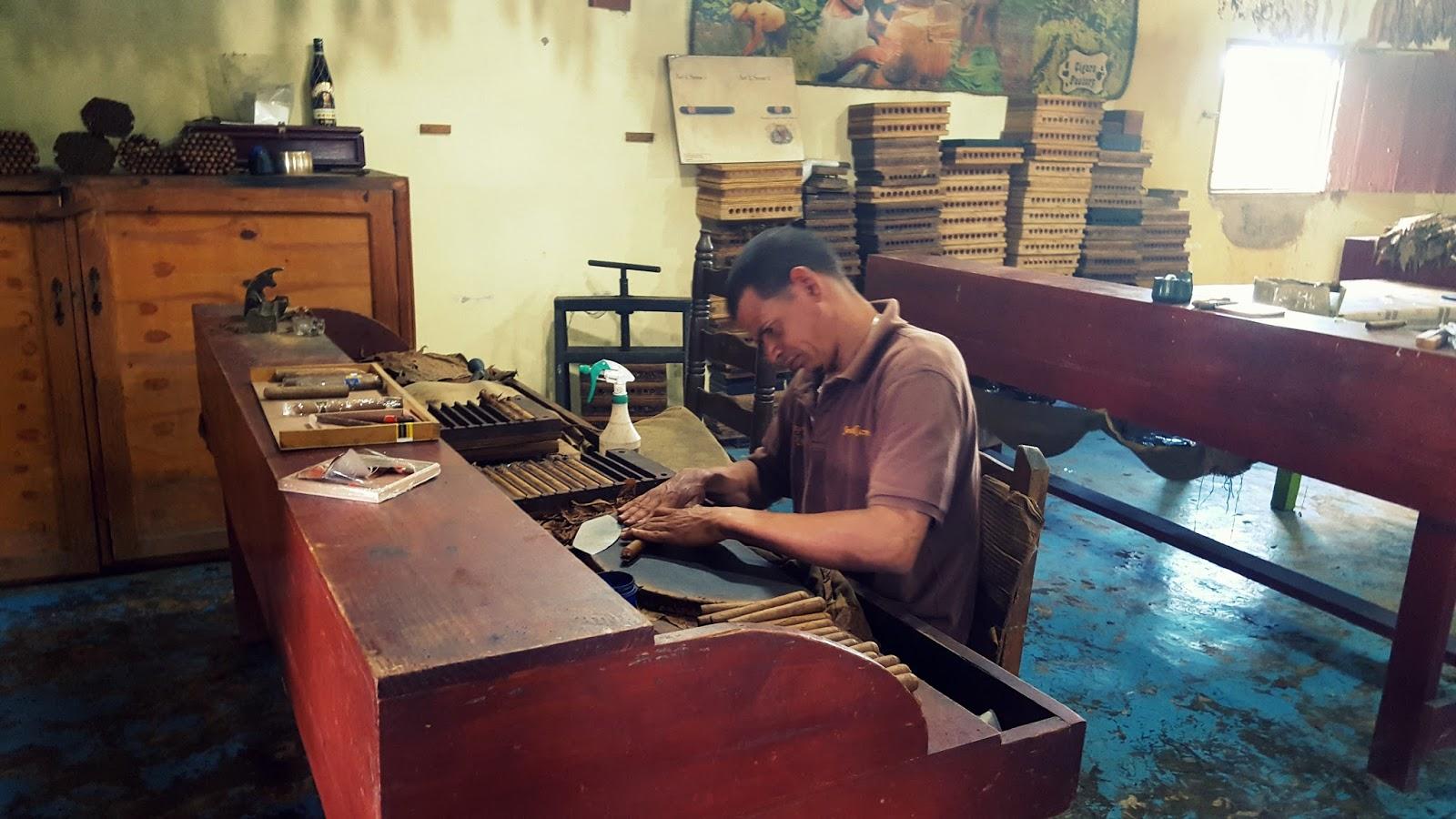 Lokalna wytwórnia cygar na Dominikanie