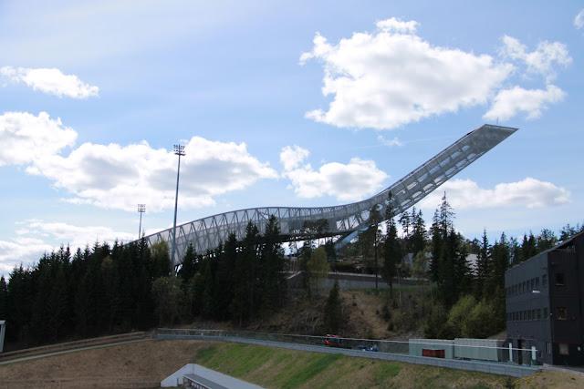 Holmenkollen hyppyrimäki Oslo