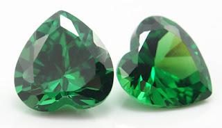 Heart-Shape-Cubic-Zirconia-Emerald-Green-Colored-Gemstones-Wholesale