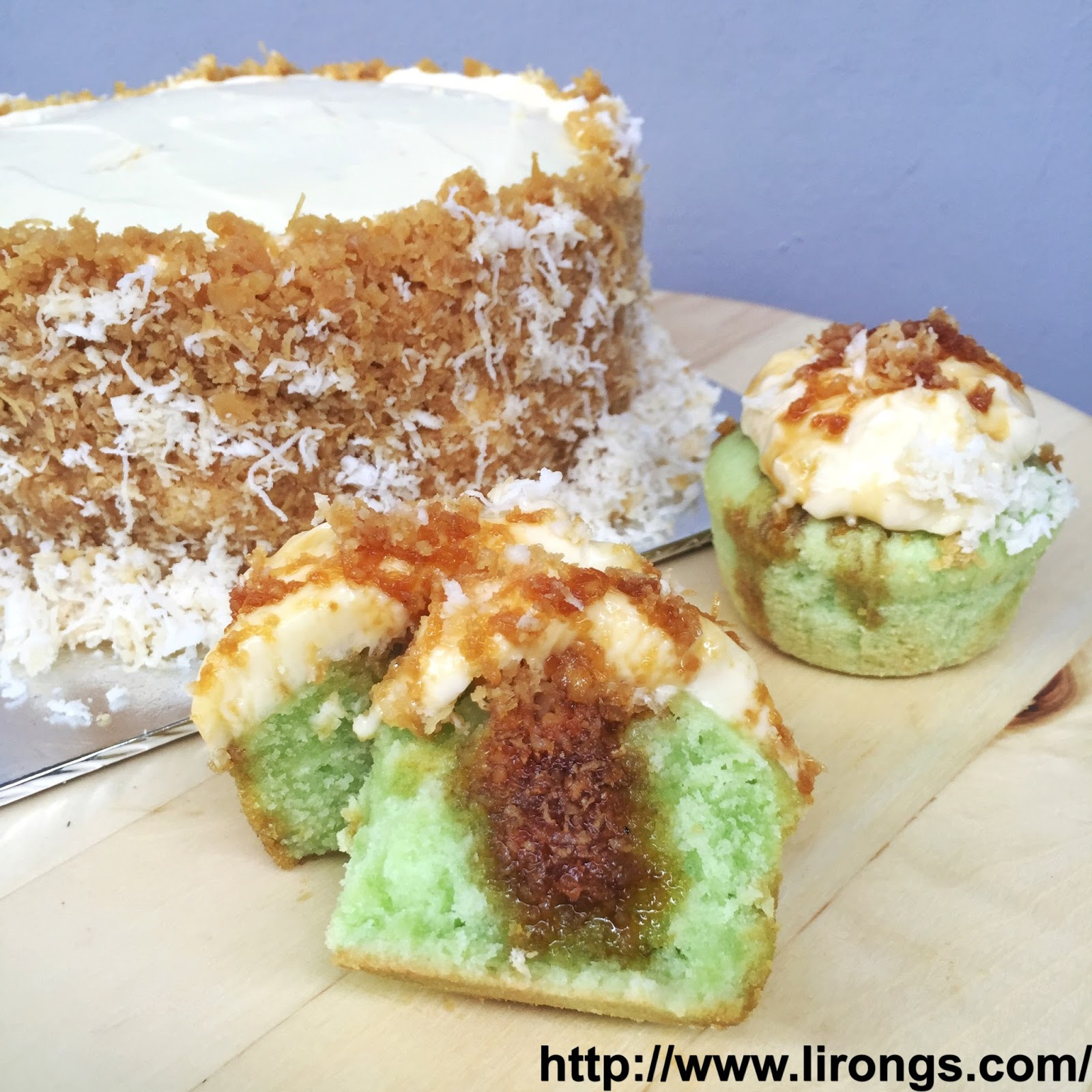 Lirong a singapore food and lifestyle blog recipe pandan gula lirong a singapore food and lifestyle blog recipe pandan gula melaka cake ondeh ondeh cupcakes forumfinder Choice Image