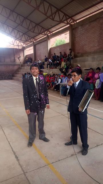 Der Direktor des Gymnasiums bei seiner Ansprache