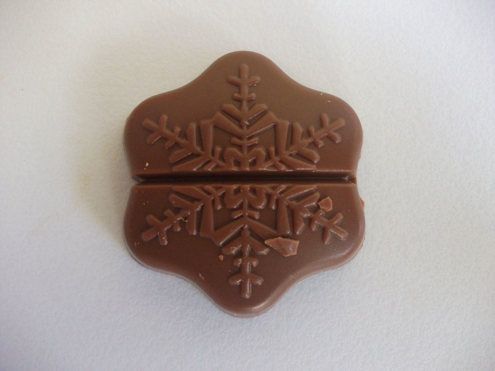 Lindt Lindor My Melting Moment Chocolate Snowflake Review