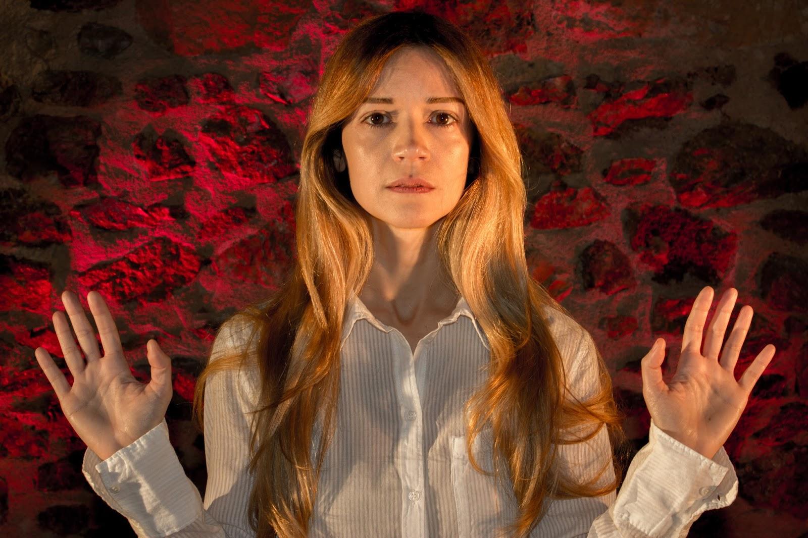 """""""ΤΟ ΜΟΝΟΝ ΤΗΣ ΖΩΗΣ ΤΟΥ ΤΑΞΕΙΔΙΟΝ"""" με την Ιωάννα Παππά στο Κηποθέατρο Αλκαζάρ"""