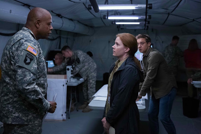 Arrival Film - Forest Whitaker and Amy Adams