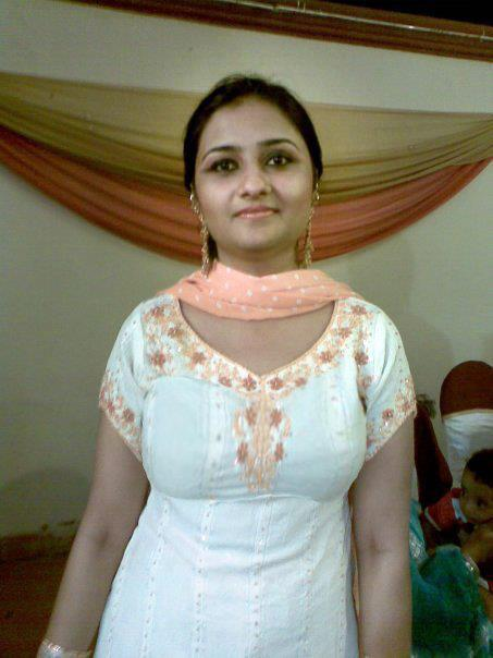 Pakistani Desi Girls Very Lovely And Desi In Pictures -1419