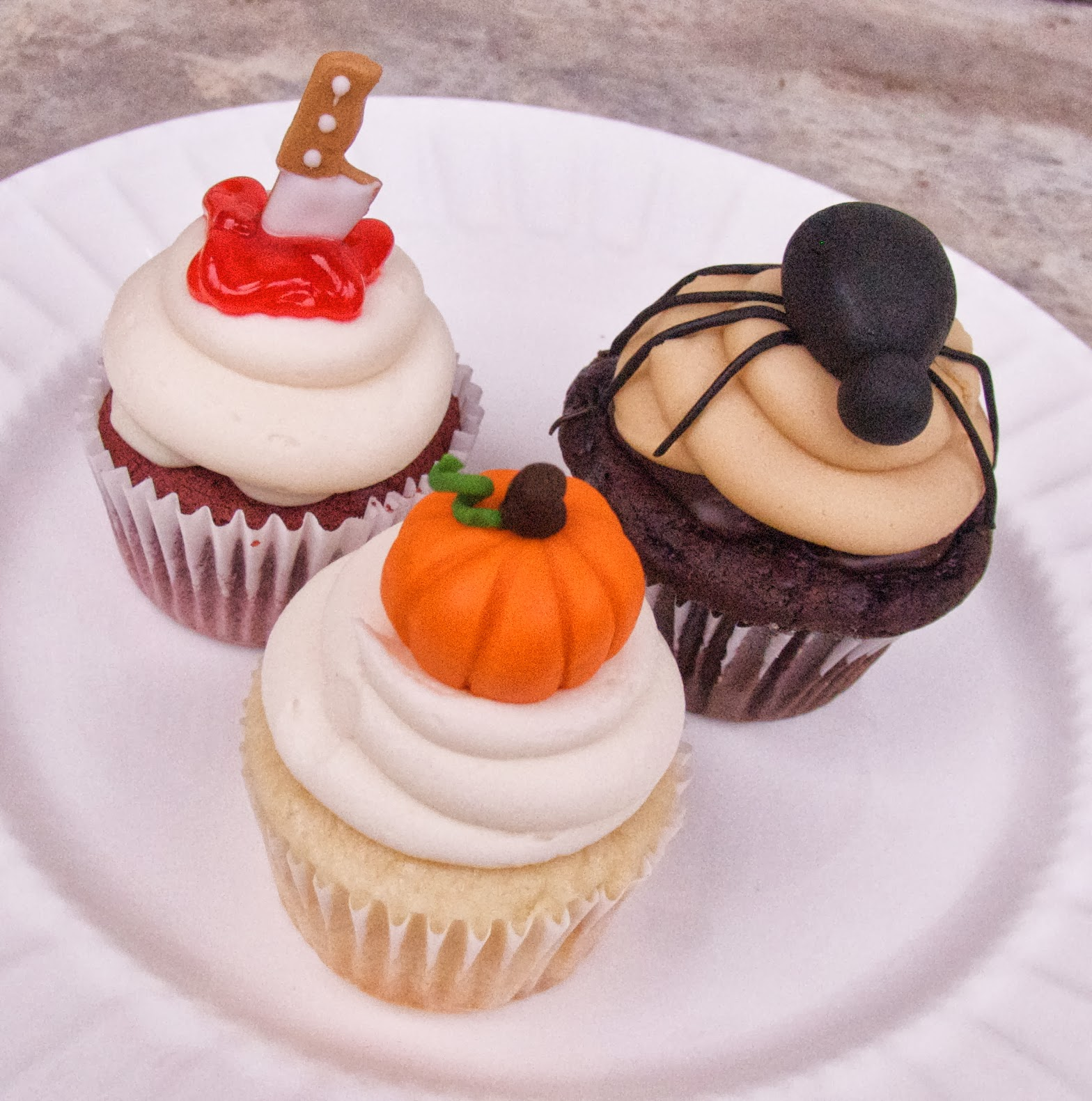 BS Recipes: Fondant Spider Tutorial (Halloween Cupcakes