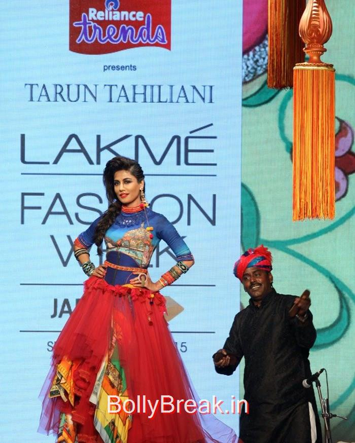 Chitrangada Singh Walks the Ramp for Tarun Tahiliani Show at LFW Summer/Resort, Chitrangada Singh Hot Pics in Blue Dress from Lakme Fashion Week 2015
