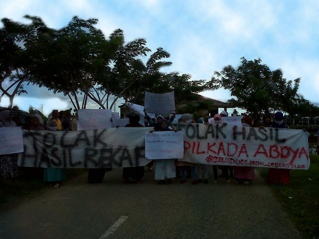 Tolak Hasil Pilkada, Gemas Demo Kantor KIP Abdya