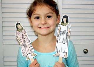 Tessa's Ancient Egyptian history pocket puppets show the fashions of the time.