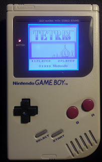 Game Boy portátil modificada con chip bivert y retro iluminación
