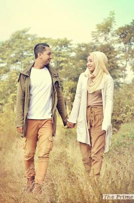 Style Busana Hijab Untuk Prewedding Cassual