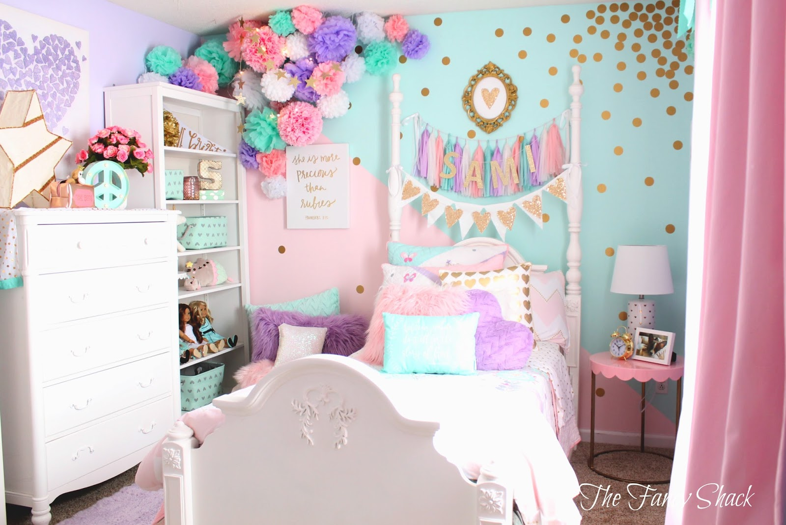 The fancy shack pastel girls room makeover for Ideas para decorar una recamara