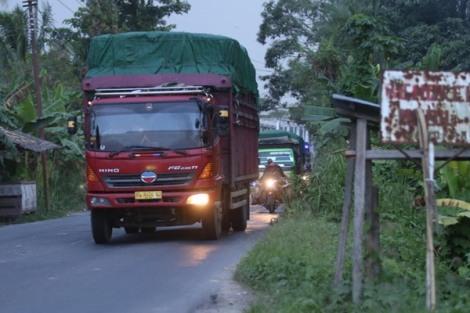 derita supir truk