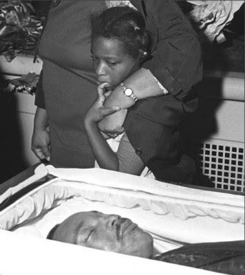Martin-Luther-King-Jr-Funeral-356x400.jpg