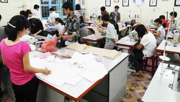 Một số hình ảnh lớp học may công nghiệp cấp tốc K19 - DẠY MAY CÔNG ...